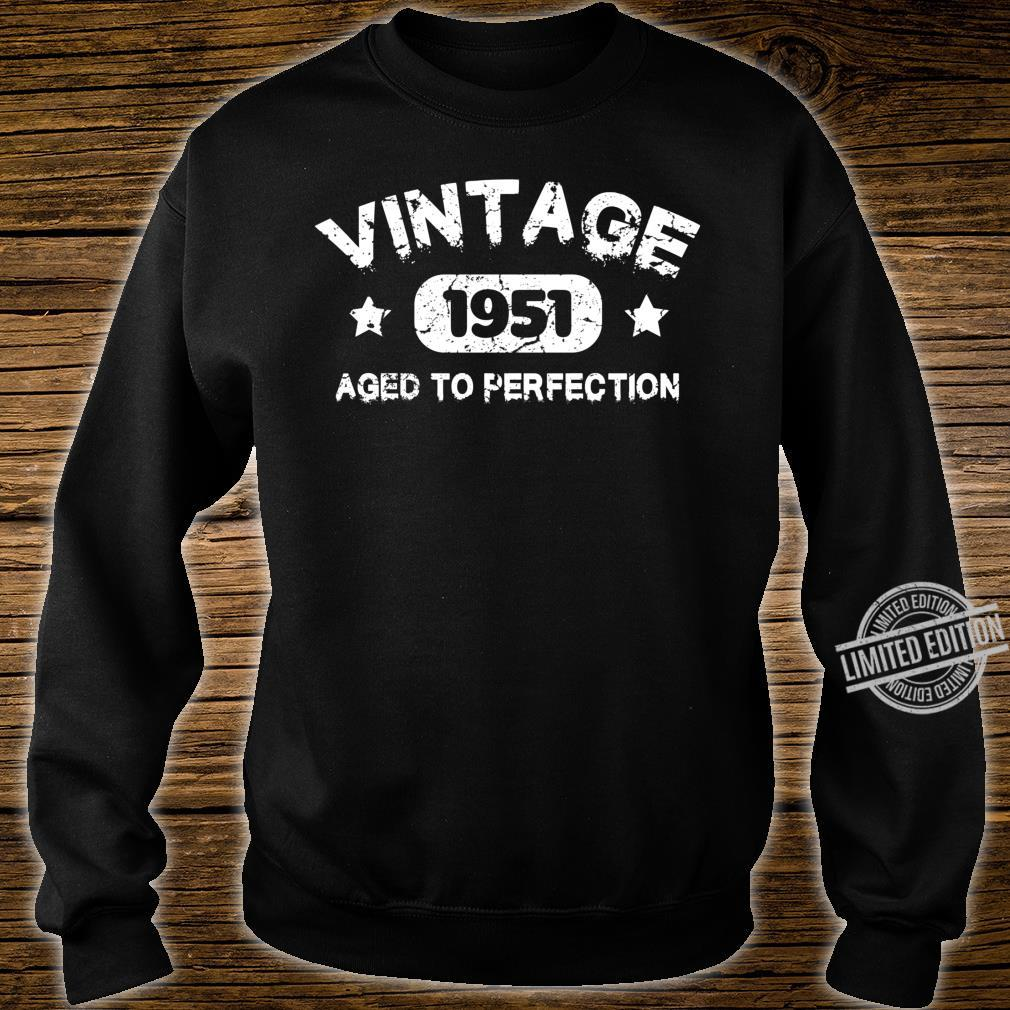 69 Years Old Made in 1951 Vintage 69th Birthday Idea Shirt sweater